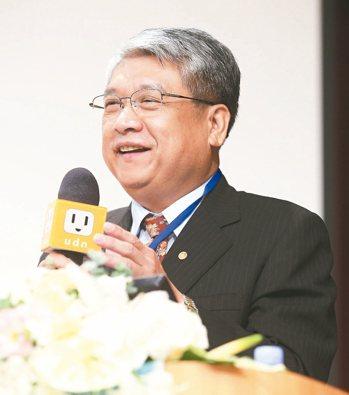 高雄醫學大學校友總會理事長陳建宏。