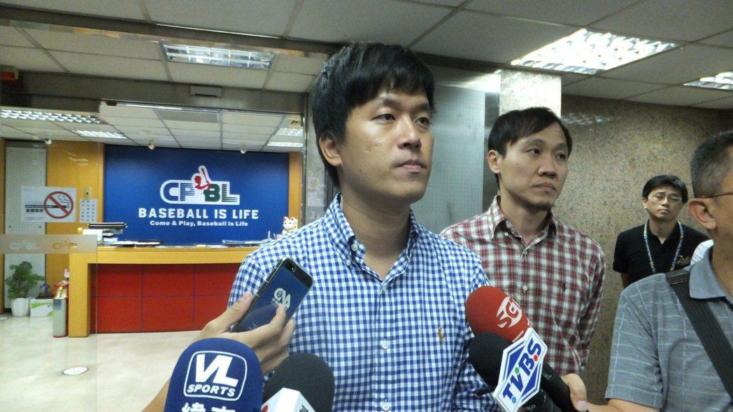 猿隊領隊劉玠廷表示,隊上教練、球員明年不會參加經典賽。記者藍宗標/攝影