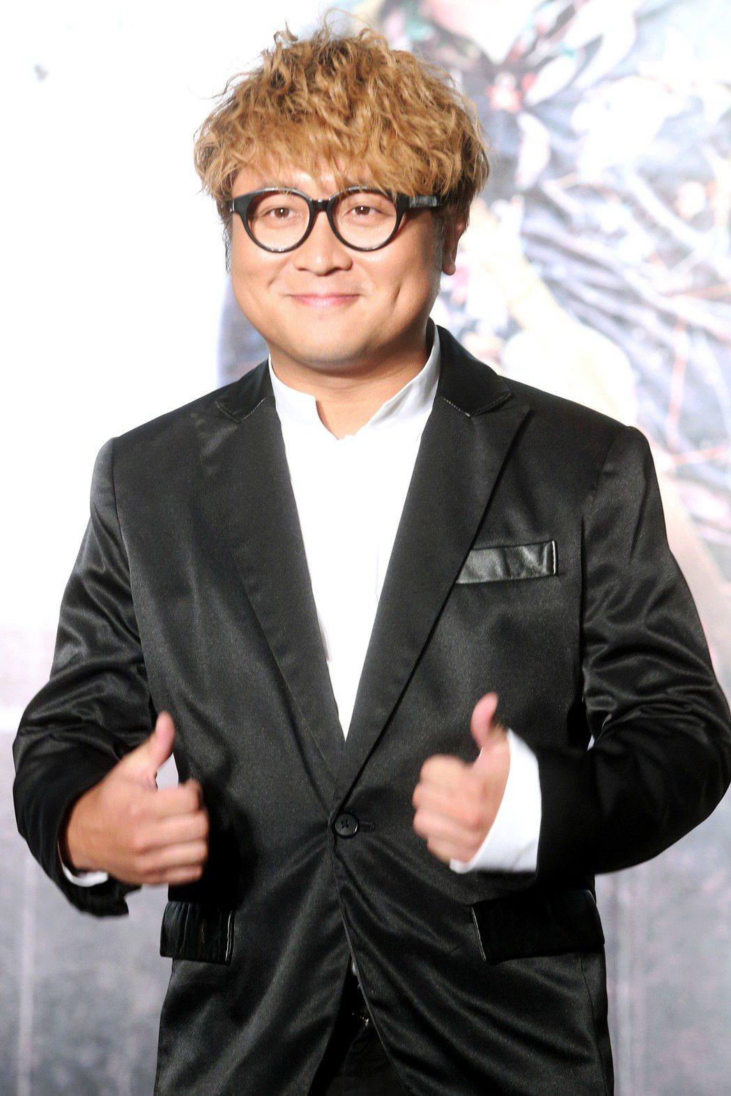 金馬獎入圍提名8項的電影「一路順風」2日舉行記者會,納豆入圍男配角,開心出席。記...