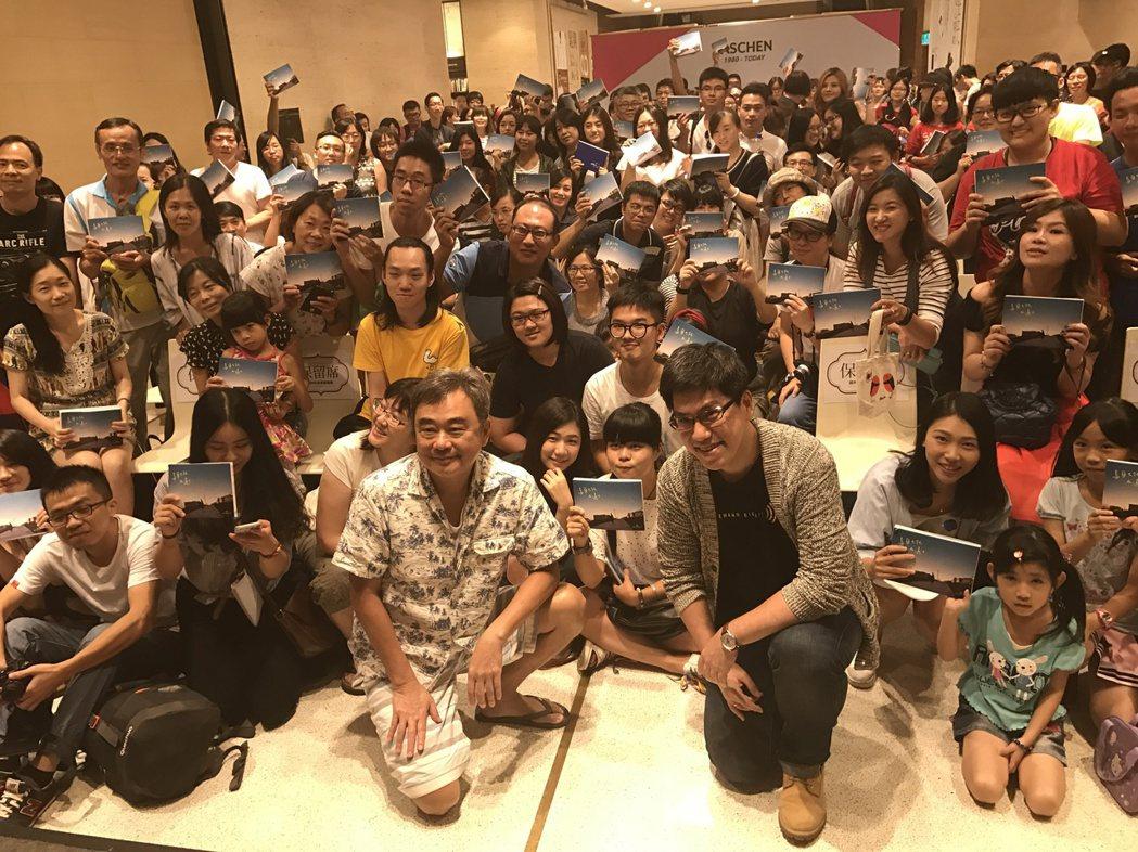 陳昇今為新書「烏蘭巴托在遠方」,與馬世芳對談。記者陳于嬙/攝影
