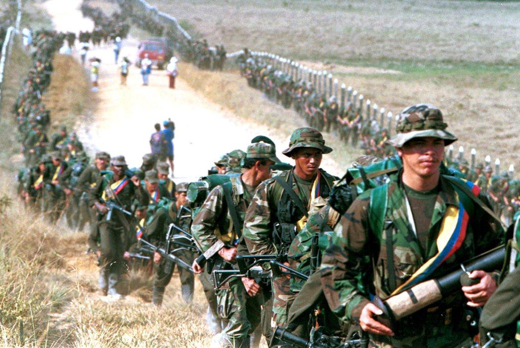 為什麼哥倫比亞不願意接受和平協議?人民們對於和平的期待,難道比不過對FARC的仇...