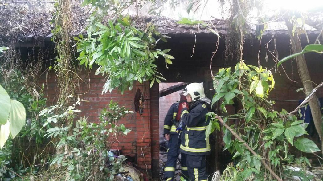 今日早上位於台中潭子的民房發生火警,幸好火勢不大立即撲滅,但住戶目前正送醫觀察中...