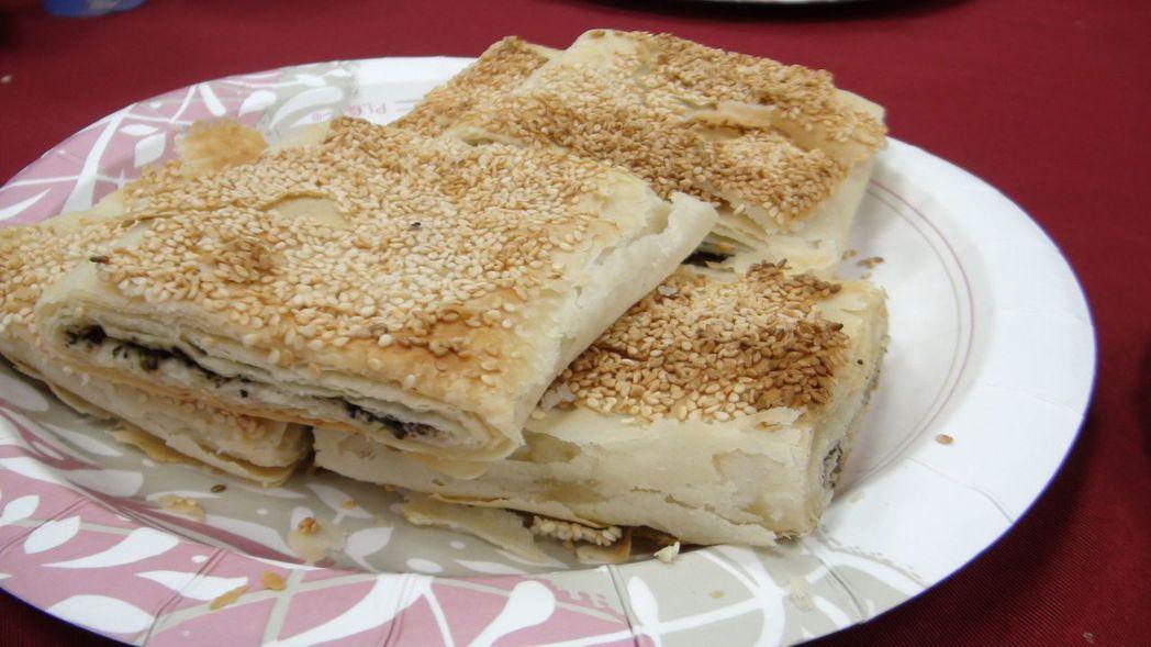 中興新村市場內的燒餅等眷村美食,保留懷舊風味。記者王慧瑛/攝影