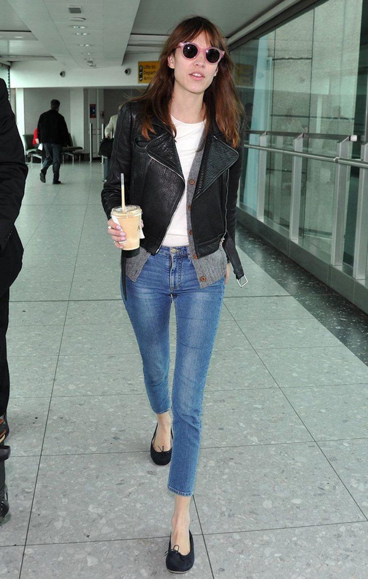 時尚Icon的Alexa Chung隨性的皮衣造型,讓她看起來像是搖滾明星。圖/...