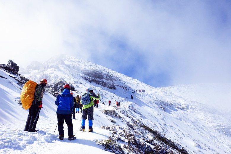登山社群比起全民仍是少數,因此在媒體片面報導之下,大多數不登山,不了解登山的民眾,用輿論扼殺了登山這項戶外運動。 攝影/記者邱德祥