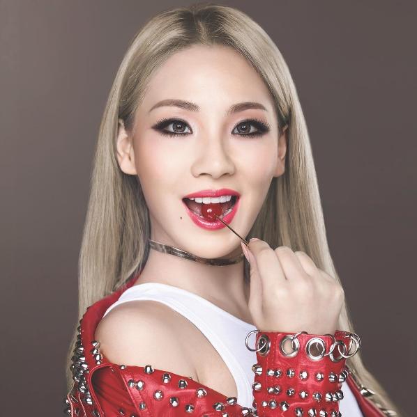 CL為MAYBELLINE拍攝新廣告,走甜姐兒風格。圖/摘自CL IG