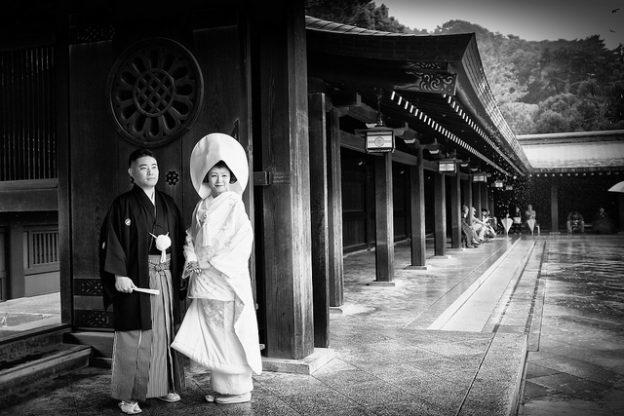 經濟學人分析 為何日本年輕人愈來愈難步入婚姻?