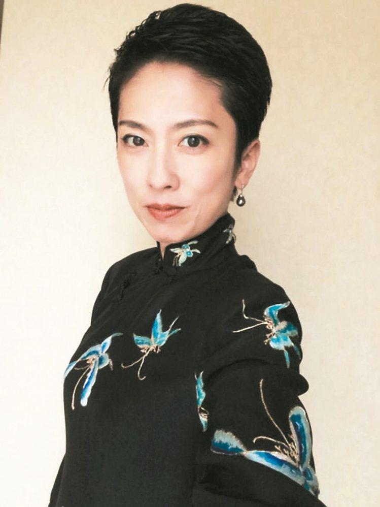 蓮舫的父親來自台灣台南,是日本史上首位女性及首位擁有多國血統者擔任主要政黨黨魁。...