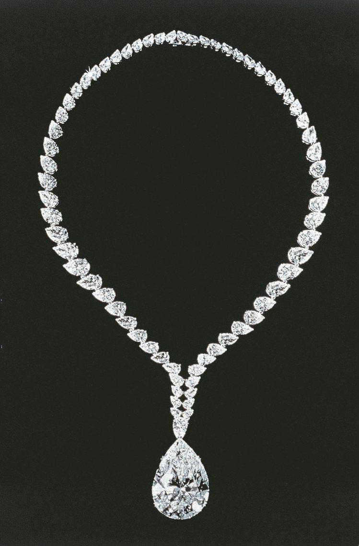 卡地亞紐約專為伊莉莎白泰勒打造的卡地亞—波頓—泰勒鑽石項鍊,1969年。 圖/卡...