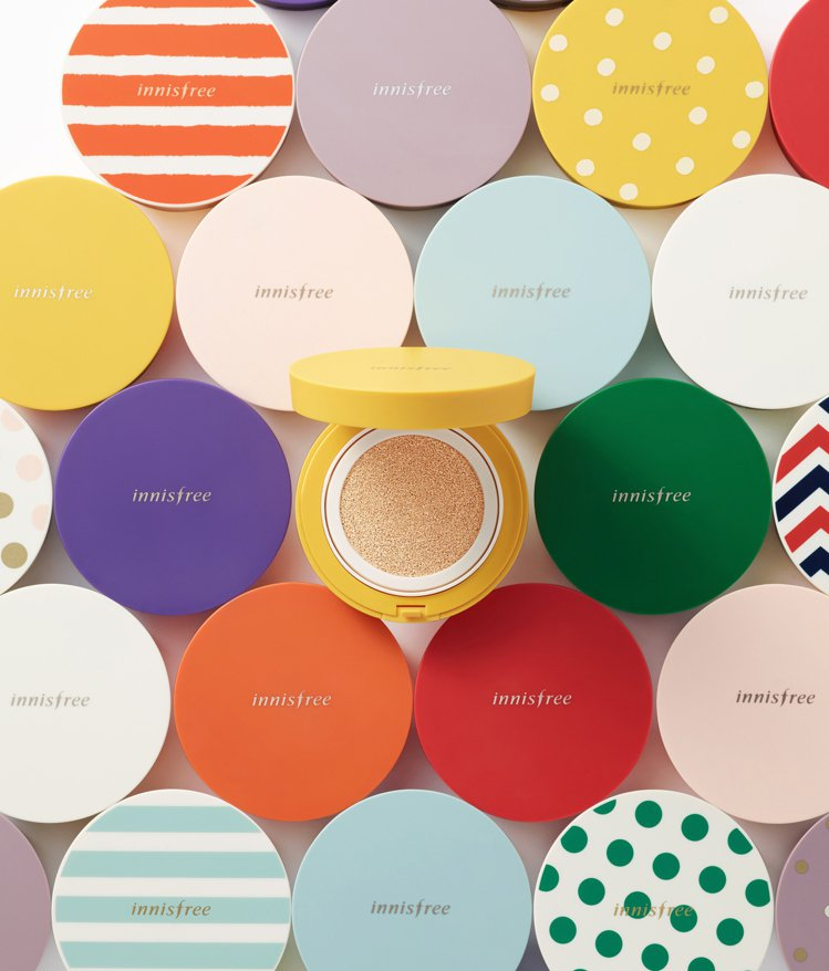 innisfree為氣墊粉餅推出100款粉餅盒。圖/innisfree提供