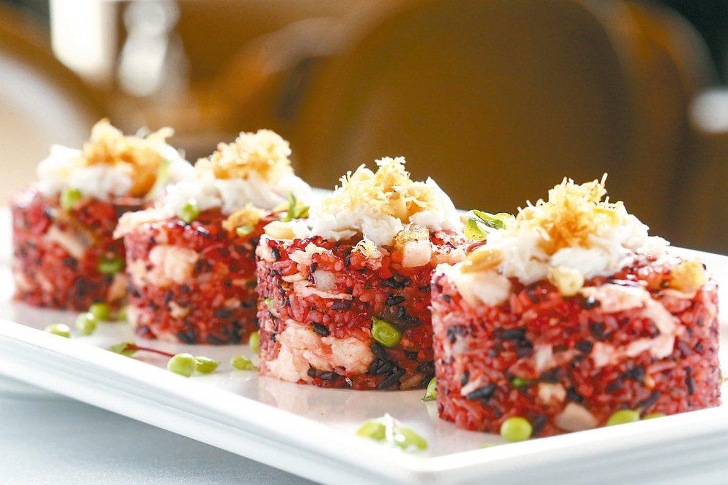 紅藜麥軟絲薑米炒飯紅藜有「穀類的紅寶石」的美名,蛋白質含量不遜於牛肉,富含膳...