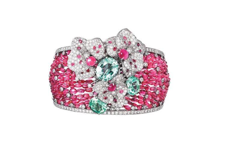 Disa系列蘭花造型手環╱胸針,白K金,手環上的花朵可拆下作為胸針配戴。約2,4...