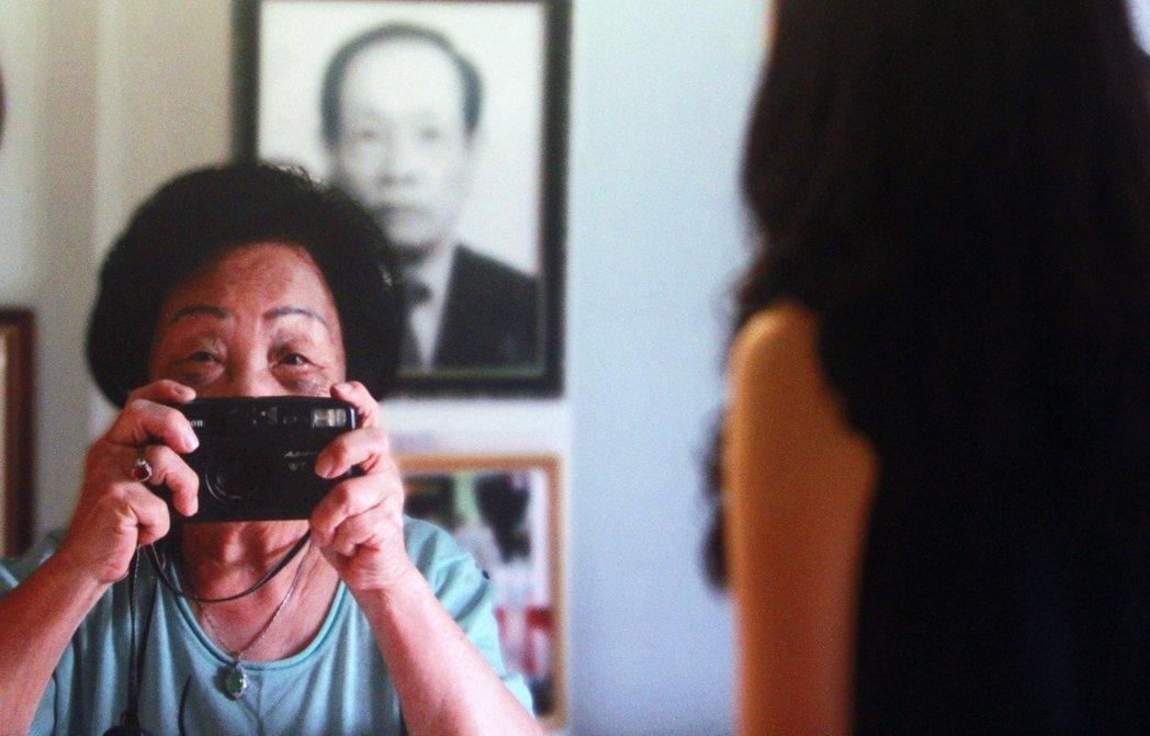 台灣的慰安婦阿嬤仍舊是時間與政治的他者。圖為2013年7月,婦女救援基金會舉辦的...