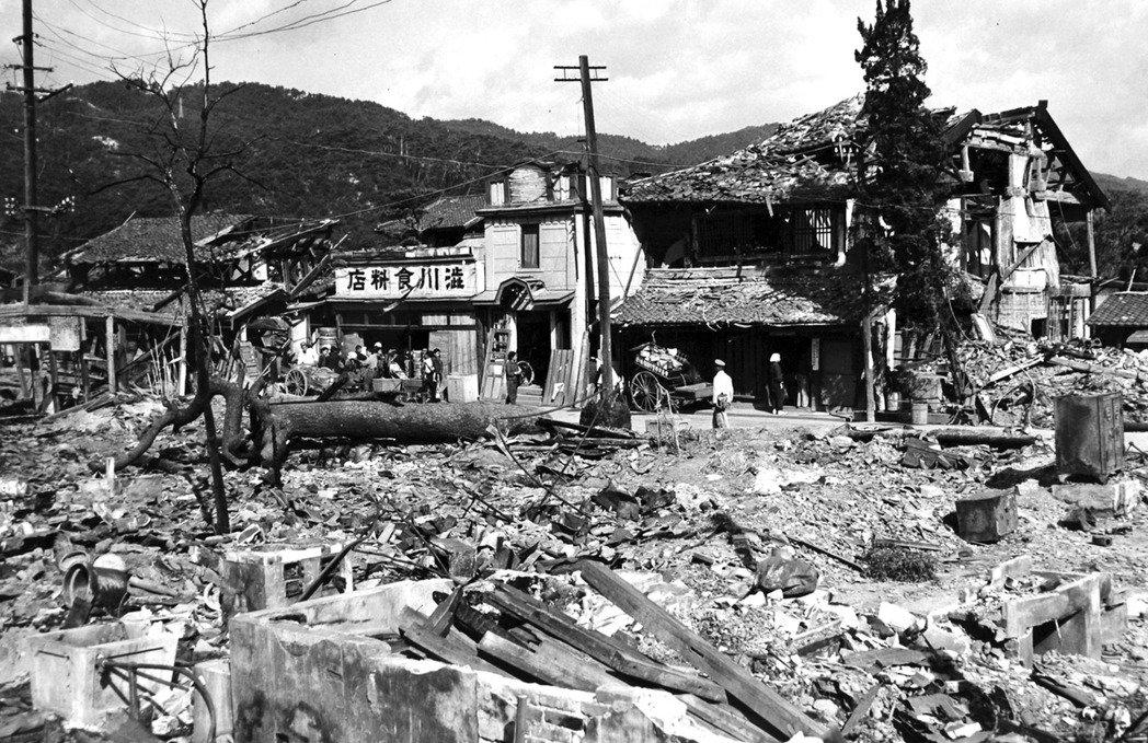 戰後的廣島。BCOF與美軍的駐紮除了是去武裝日軍之外,重建廣島亦屬他們的業務範圍...