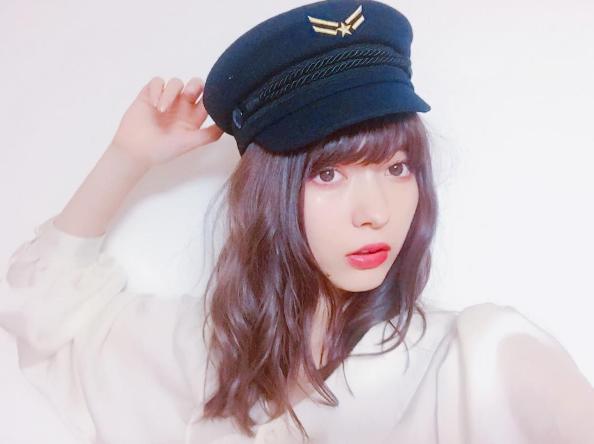 今年才21歲的日雜女神八木Arisa在《ViVi》雜誌登場後人氣持續攀升,拍攝韓...