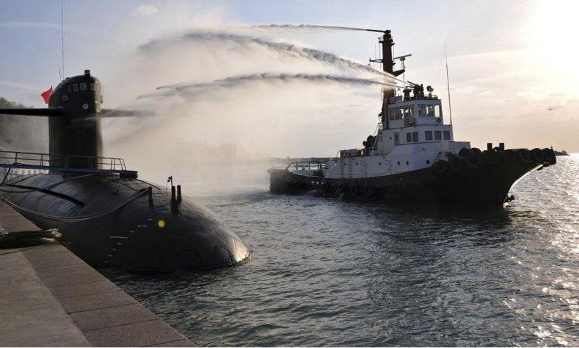 冷戰結束後,中國逐漸把戰略重心,由歐亞大陸轉移至亞太島鏈地區。圖為中國核潛艇於青...