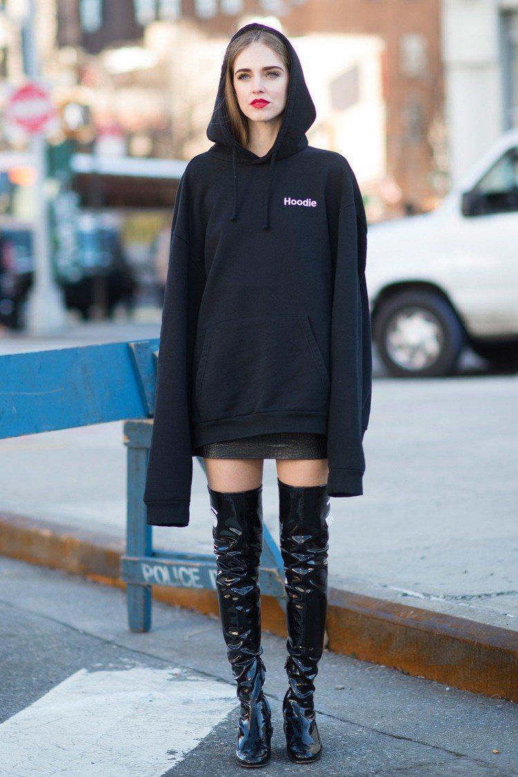爆紅品牌Vetements帶起寬鬆運動服流行。圖/摘自todayimwearin...
