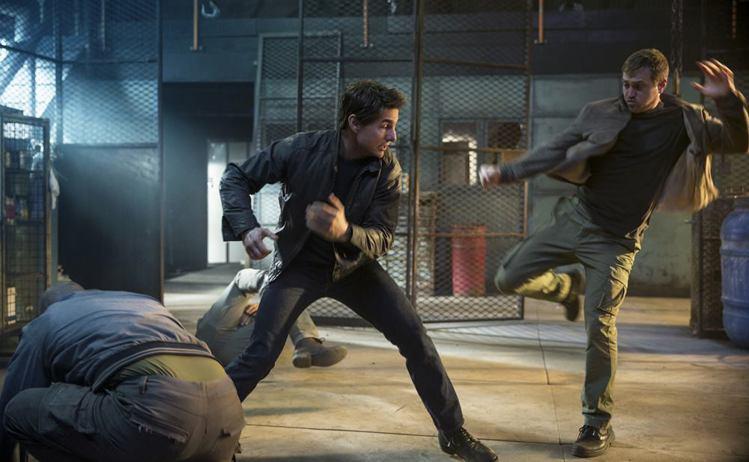 湯姆克魯斯演出新片「神隱任務:永不回頭」,再扮浪人偵探傑克李奇。圖/派拉蒙電影提...