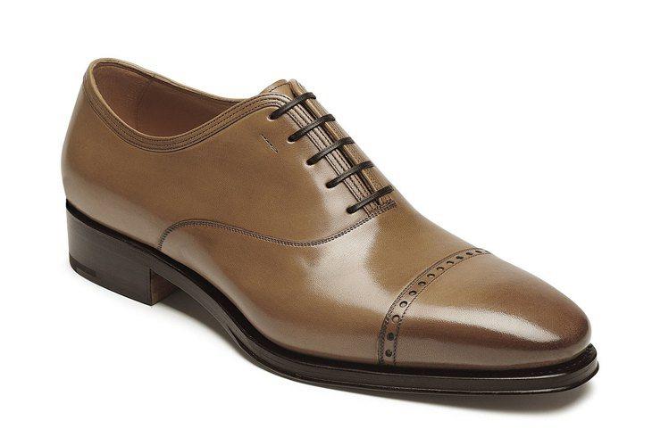 小麥色光面牛皮尖頭牛津鞋,65,900元。圖/Ferragamo提供