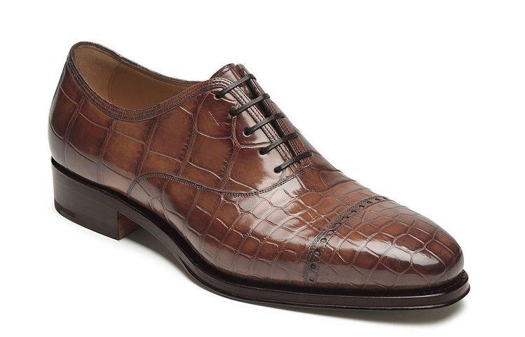 石楠木色鱷魚皮尖頭牛津鞋,52萬9,000元。圖/Ferragamo提供