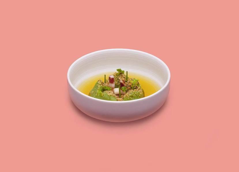 三位策展人曾熙凱、吳雅筑、張雅筑,以「食托邦」的創意回應倫敦設計雙年展的主題「烏...