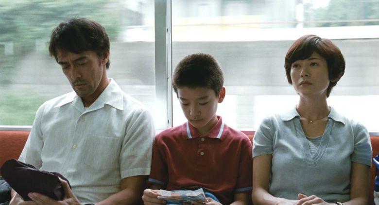 離開了「破鏡重圓」的世界,三人各自尋找著「夢想」,那是同一個夢想嗎?那是不同的夢想嗎? 圖/《比海還深》劇照
