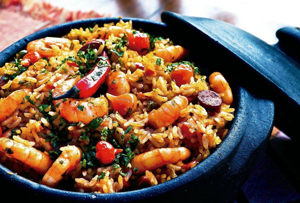 燉煮食物溫度下降時,就可以把燉鍋拿出來了。慢燉食物是最能滿足身心的烹調方式。...
