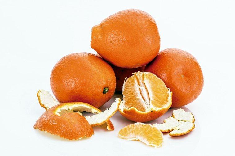 向柑橘問好維生素C對免疫系統很重要,尤其在秋冬流感盛行之際。大量維生素C的來...