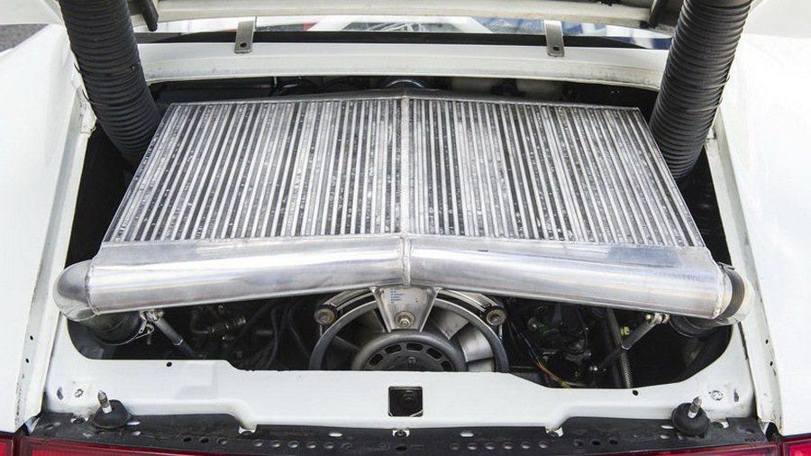 搭載原廠精心調校的 3.6 升水平對六缸雙渦輪增壓引擎,最大馬力可達 600 匹...