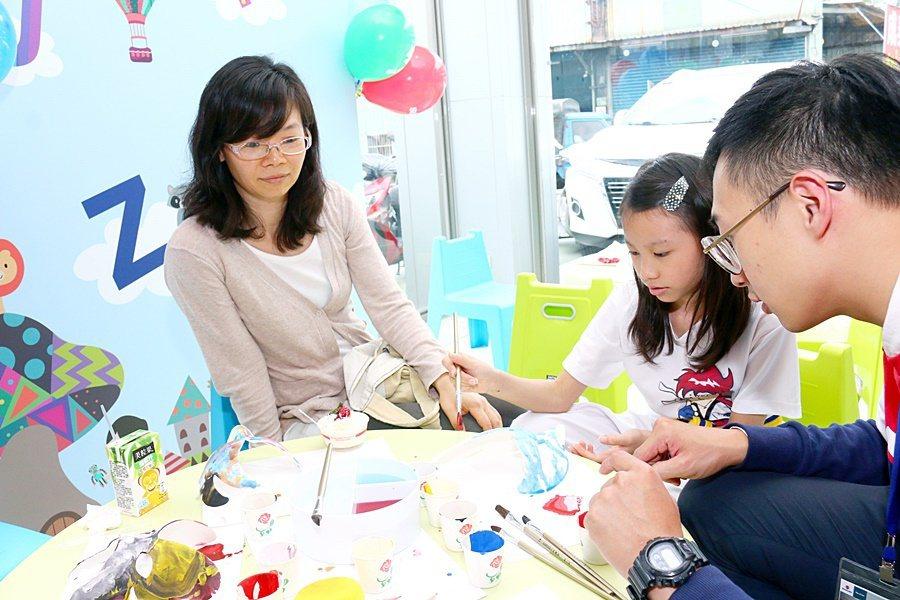 動現場也安排了親子同樂活動,可讓參與者全家一起共度假日午後時光。 SUZUKI提...