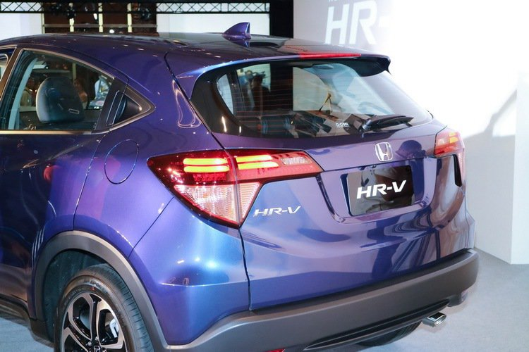 HONDA HR-V 1.8L S車尾。 記者史榮恩/攝影