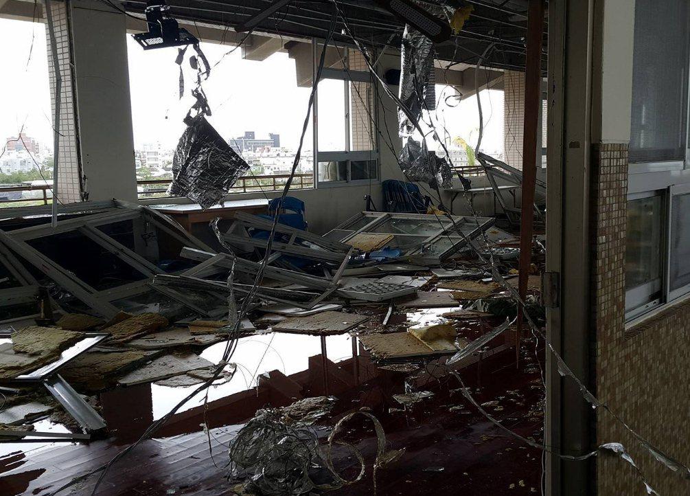 尼伯特颱風重創台東縣東海國中。 圖/聯合報系資料照片