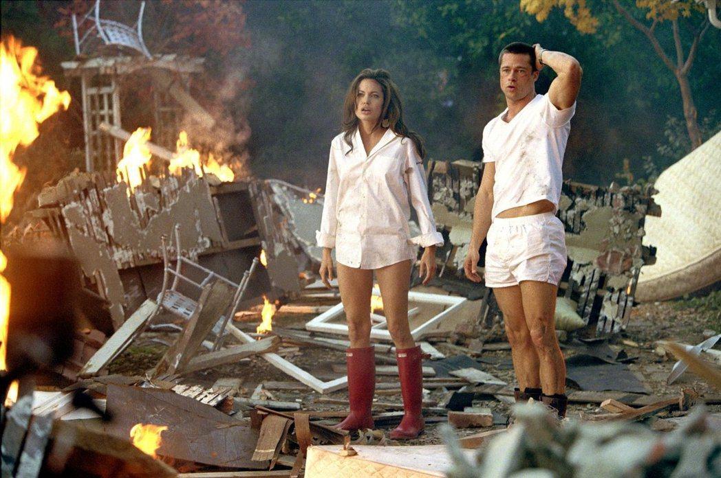 布萊德彼特與安琪莉娜裘莉因「史密斯任務」結緣。圖/摘自imdb