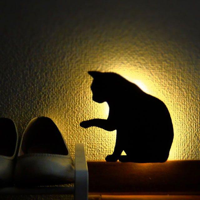 日本Cat Wall Light體感聲控貓咪壁燈,特價1,090元。圖/新蛋全球...