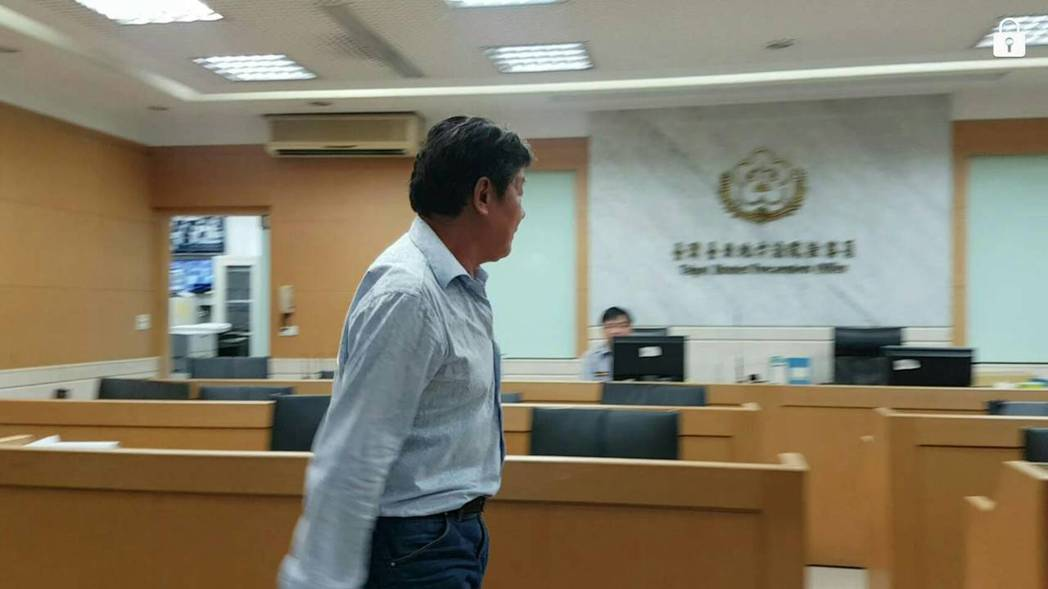 曾參選新北市議員的陳鴻源,其父親陳明雄涉及偽造文書遭檢方一百萬元交保。記者/張宏...