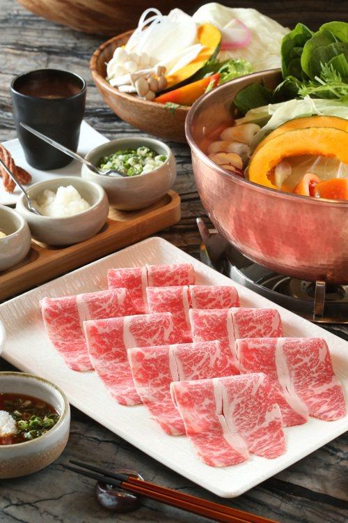 可選擇匈牙利蒙娜麗豬或澳洲、美國牛肉作為主餐。記者陳立凱/攝影