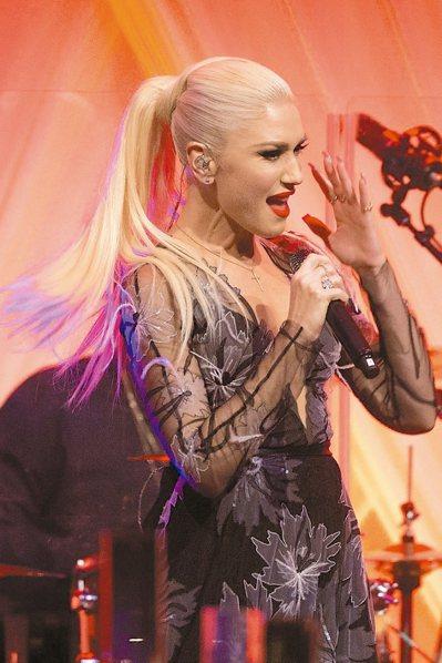 歌手關史蒂芬妮在白宮晚宴上熱歌勁舞。 歐新社