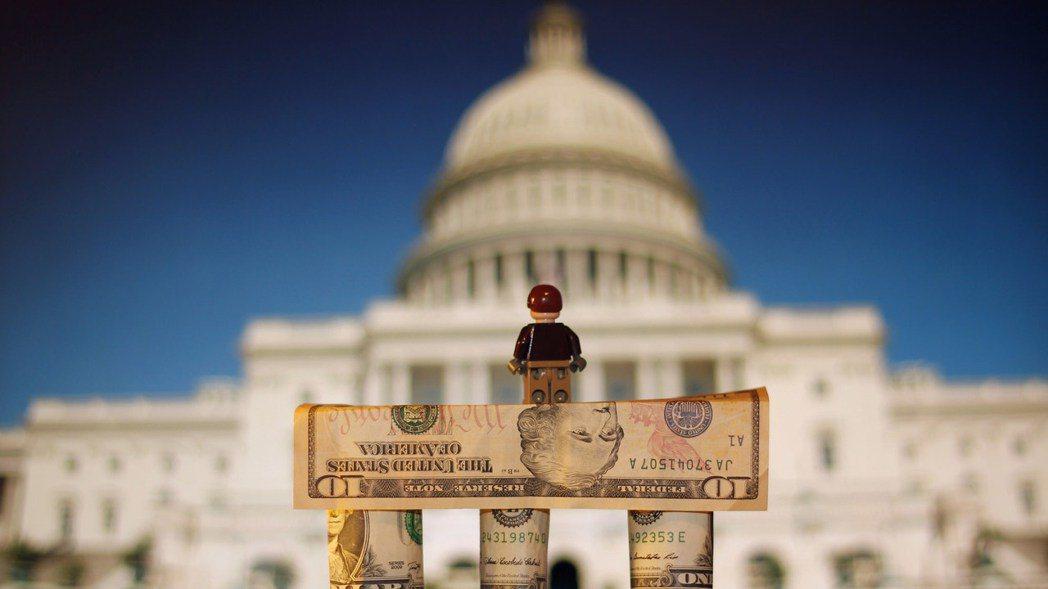 通往白宮之路非常昂貴,除了民眾熱情捐獻,更仰仗財團富豪的奧援。 圖/flickr...