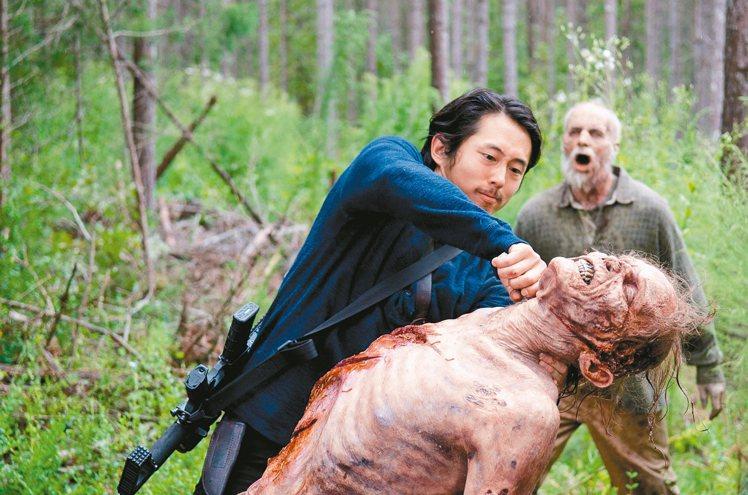 「陰屍路」是全球目前最紅的話題恐怖影集。 圖/FOX提供