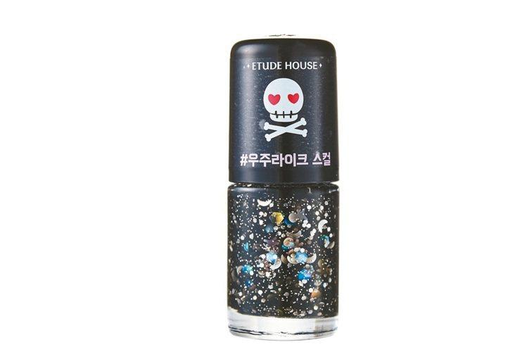 ETUDE HOUSE「PINK SKULL」輕甜龐克指甲彩,售價150元。 圖...