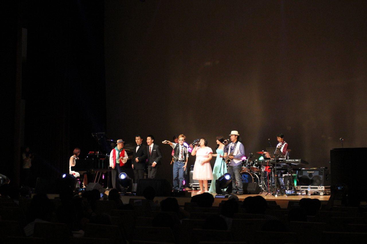 音樂會安可曲民眾反應熱烈大受好評。