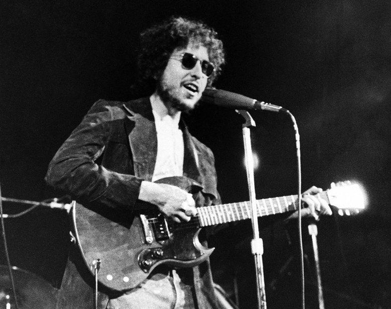 比起諾貝爾獎要將Bob Dylan納入文學正典、但還壯志未酬,Bob Dylan...
