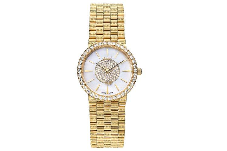 愛其華斐麗珠寶表,從表面到表圈都鑲飾了施華洛世奇八心八箭方晶鋯石。圖/Ogiva...