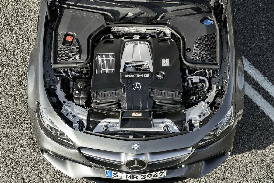 AMG E63/63 S 搭載 4.0 升 V8 雙渦輪增壓引擎、 AMG 9 ...