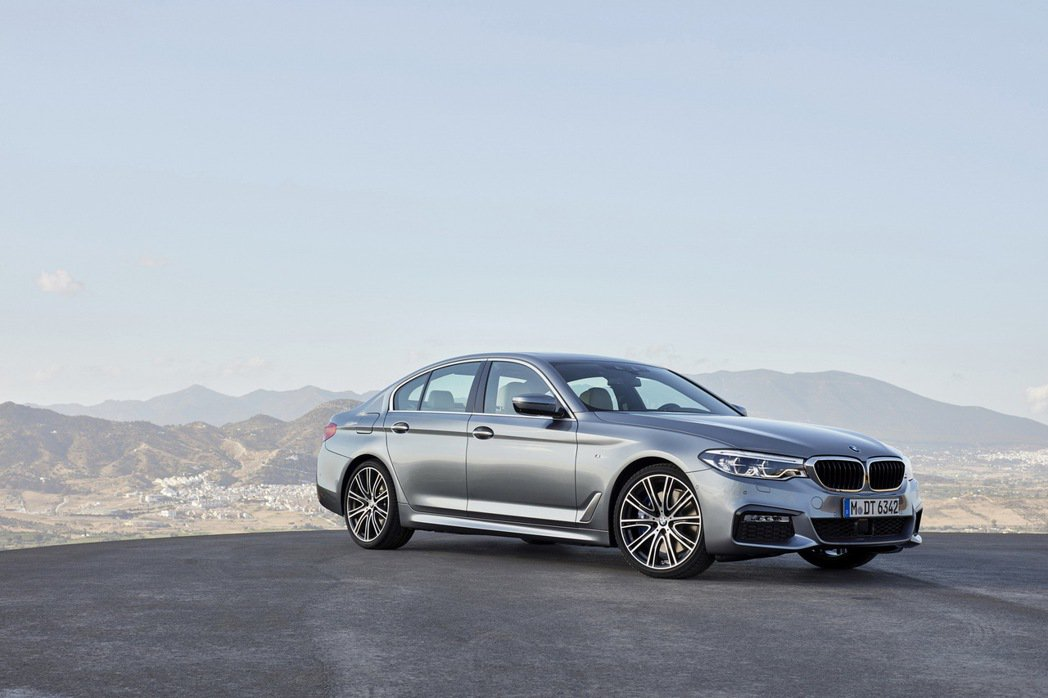 全新BMW 5系列搭載M Sport Package風格套件。 圖/汎德提供