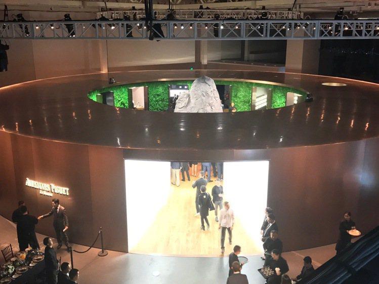 愛彼品牌展覽將精密製表業和當代藝術創作同步呈現在民眾面前。記者祁玲/攝影