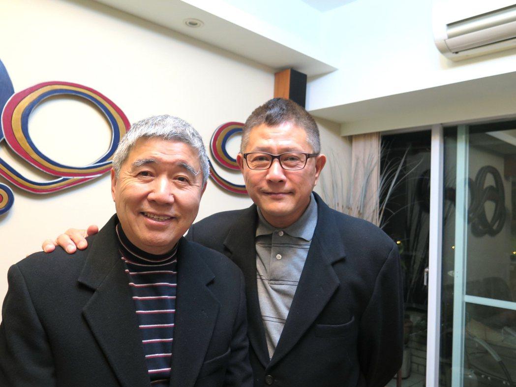 同性伴侶何祥(左)、王天明相守32年,圖為兩人三年前所攝。圖/LEZS提供