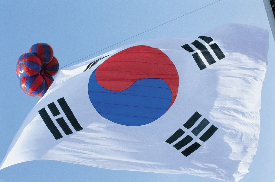 最近一項民意調查顯示,南韓上班族希望薪水漲7%,但實際漲幅僅2.7%。 圖/in...