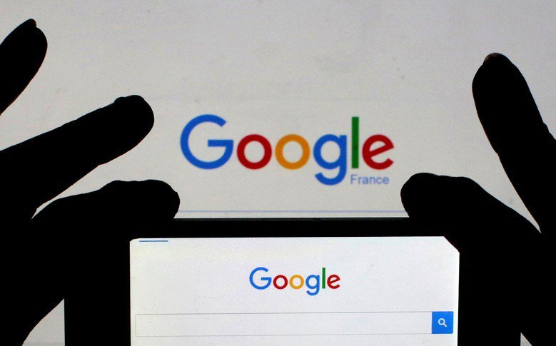 對Google來說,北市國小教育雲端所能夠產生的利益不見得具有吸引力,問題在於我們為了節省成本與貪圖方便所付出的代價,就必須被壟斷業者「控制了總開關」,值得嗎? 圖/路透社