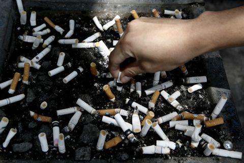 「我抽長壽,換你長壽。」——菸稅供長照的政治說服怠惰